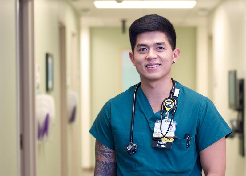Medical assistant in clinic