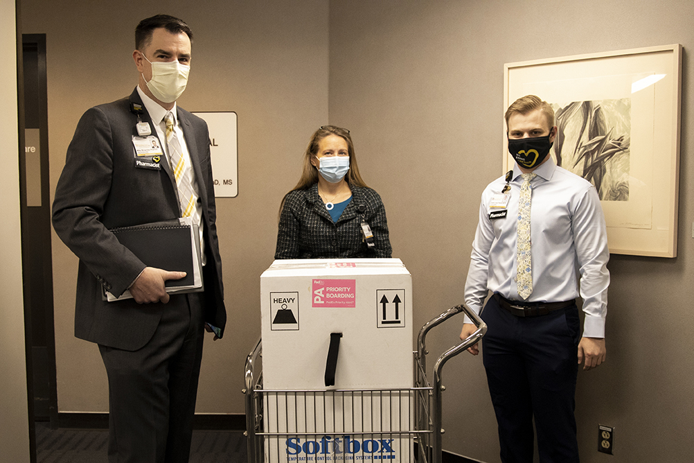 UI Health Care leaders with the first delivery of the Pfizer-BioNTech vaccine